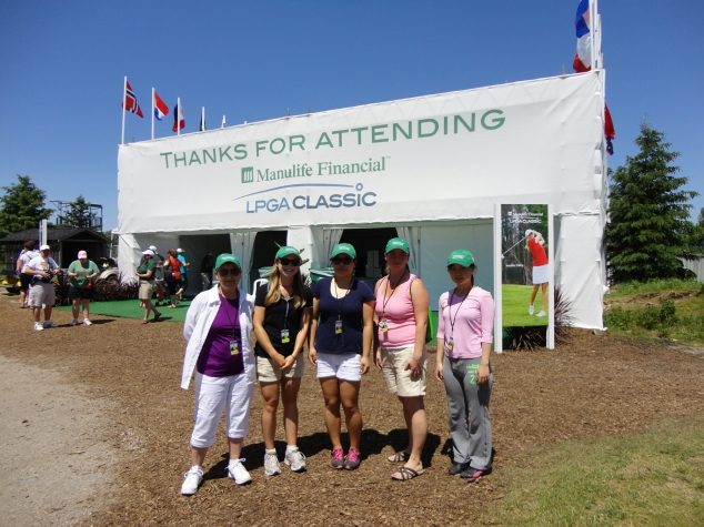 Maria and survey assistants at the 2014 Manulife Financial LPGA Classic.